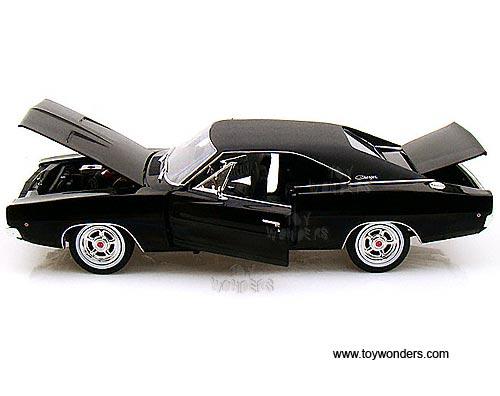 Greenlight Bullitt Dodge Charger R T Hard Top 1968 1 18 Scale Cast Model Car Black 12839