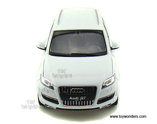Welly Audi Q7 Suv 1 18 Scale Cast Model Car White