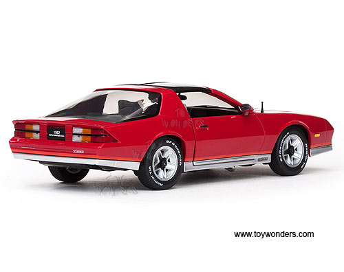 1982 Chevy Camaro Z28 TTop 1920R 118 scale Sun Star USA