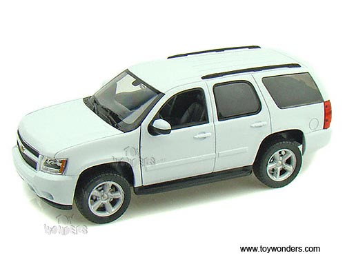 gas car toys with Welly Chevrolet Tahoe Suv 2008 1 24 Scale Diecast Model Car White 22509 95p12060 on Fotos De Archivo Coche Azul Del Juguete Image12157603 additionally 4316 as well Welly Chevrolet Tahoe SUV 2008 1 24 Scale Diecast Model Car White 22509 95p12060 furthermore Watch additionally 396417178.
