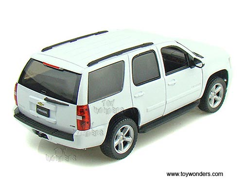 Welly Chevrolet Tahoe Suv 2008 1 24 Scale Cast Model Car