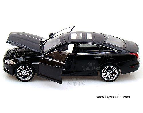 Jaguar Xj Hard Top W Sunroof By Welly 1 24 Scale Diecast Model Car