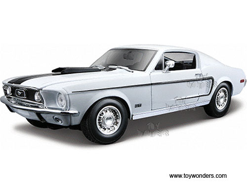 Maisto Ford Mustang Gt Cobra Jet Hard Top  Scale