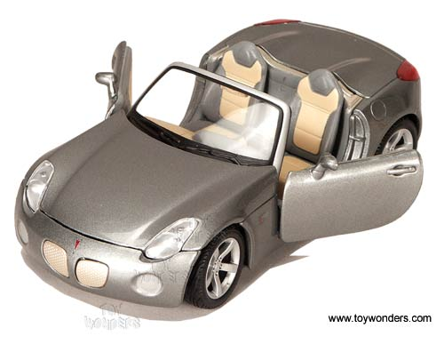 Maisto Pontiac Solstice Convertible 2006 1 24 Scale Cast Model Car