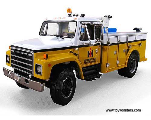 http://www.toywonders.com/ProductCart/pc/catalog/40-0189-International-Harvester-Servie-Truck-125-FG.jpg