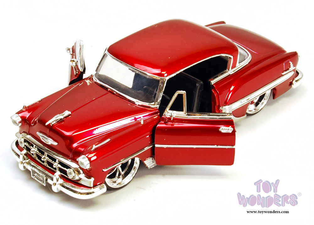 Toys From 1953 : Chevy bel air hard top a scale jada toys