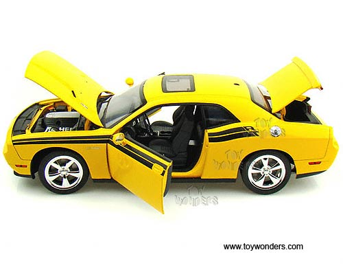 2010 dodge Challenger R/T Hard Top w/ Sunroof by Highway 61 1/18 scale diecast model car ...