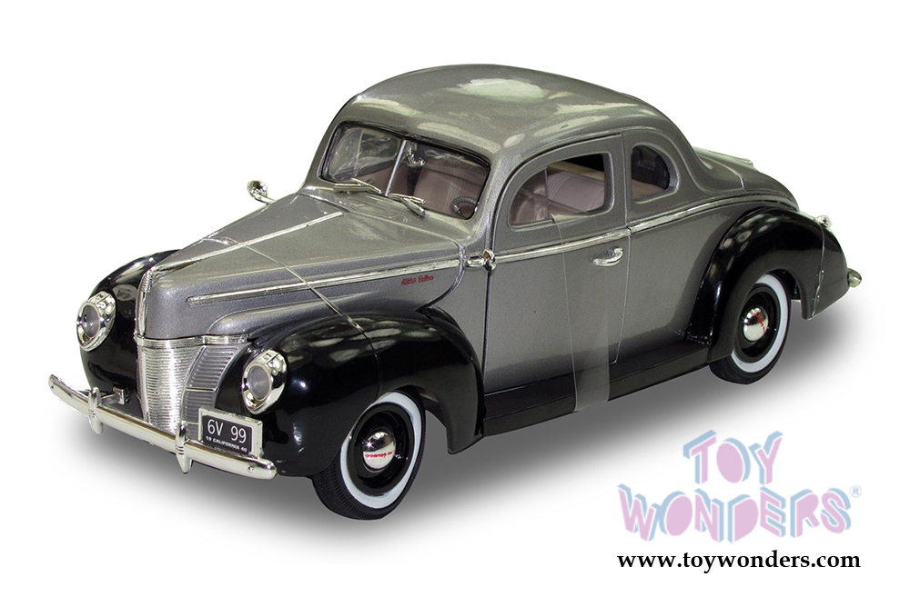 1940 Ford Coupe Deluxe Hard Top by Motormax Timeless Classics 1/18 ...