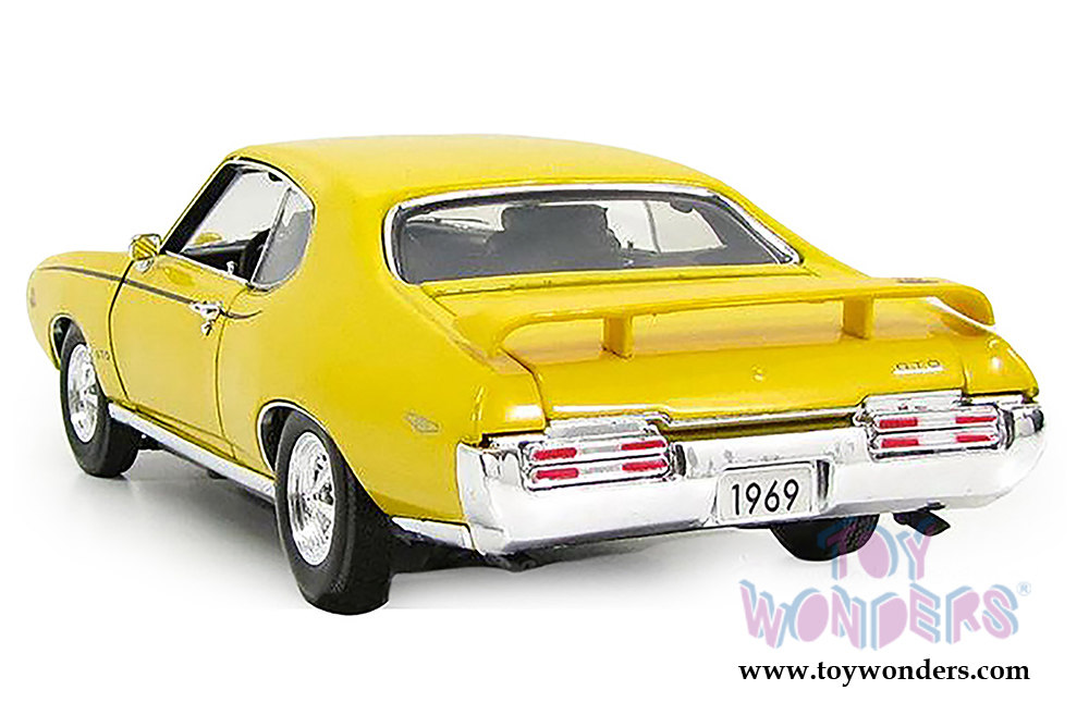 1969 pontiac GTO Judge Hard Top by Motormax 1/18 scale diecast model ...
