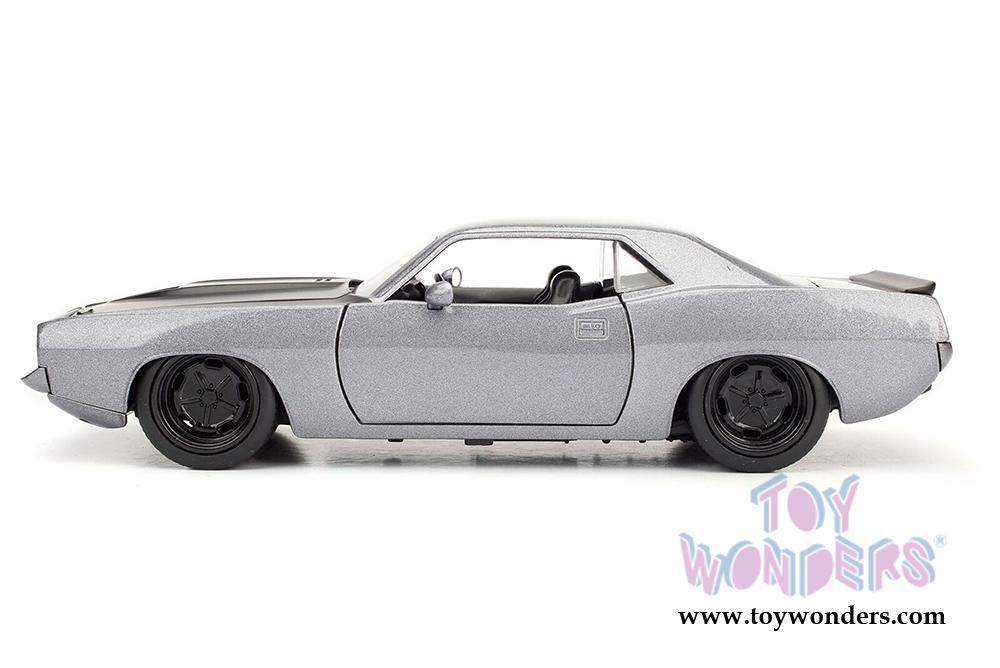 Jada Toys Bigtime Muscles - Plymouth Barracuda Hard Top (1973, 1/24 scale  diecast model car, Asstd ) 98244DP1