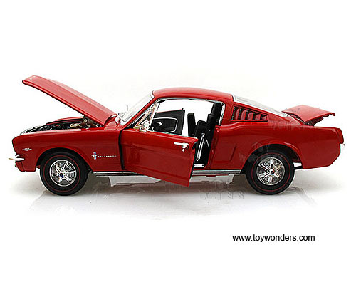1965 mustang 2 2 1965 ford mustang 22 hard top by auto world ertl 118 scale