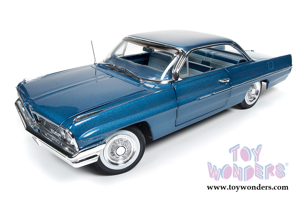 1961 Pontiac Catalina Hard Top AMM1080 1/18 scale Auto World ...