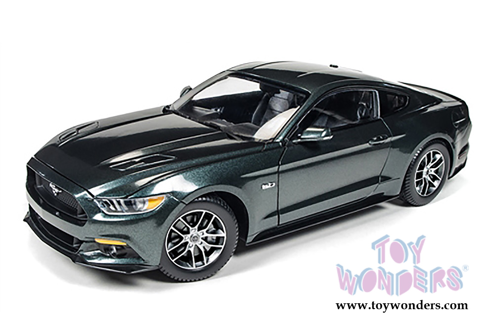 2015 Ford Mustang Gt Hard Top Aw225 1 18 Scale Auto World