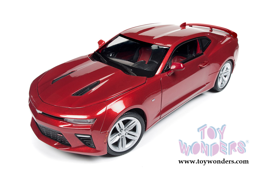 2016 Chevy® Camaro® SS™ Hard Top AW230 1/18 scale Auto World ...