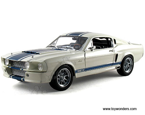 1967 shelby gt500 super snake hard top by shelby 1 18 scale diecast model car wholesale dc11841w. Black Bedroom Furniture Sets. Home Design Ideas