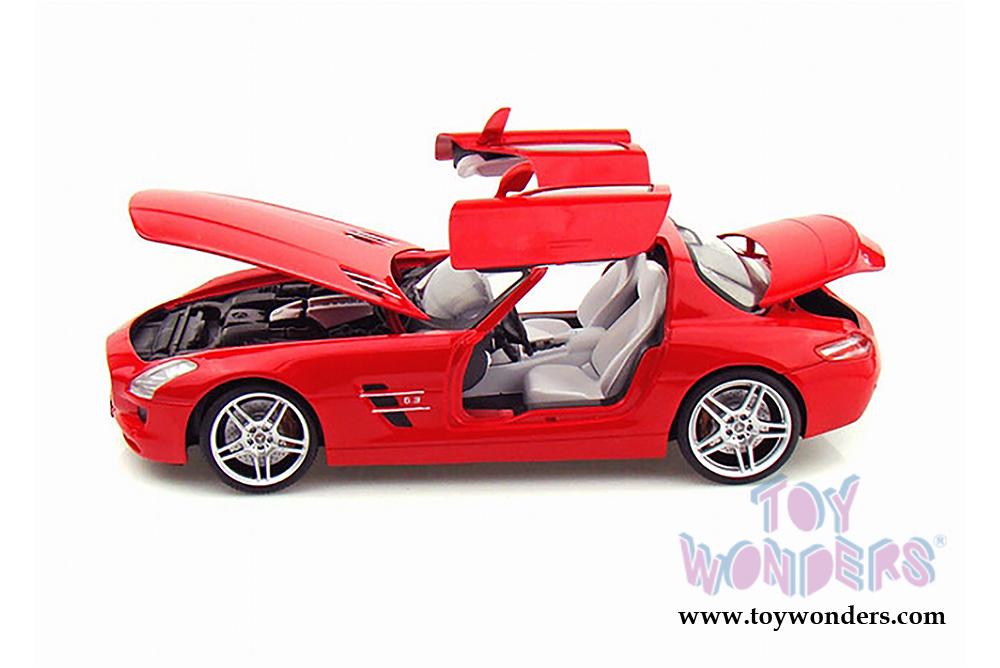 Mercedes benz sls amg hard top mo50106r 1 18 scale mondo for Mercedes benz sls amg toy car