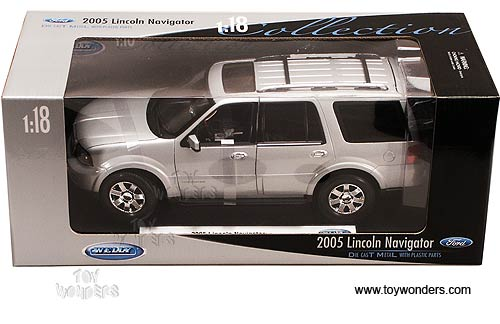 Diecast Collector Model Cars Welly  Lincoln Navigator SUV 2005