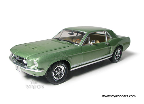 Greenlight Muscle Car Garage   Ford Mustang Coupe Hard Top (1967, 1:18
