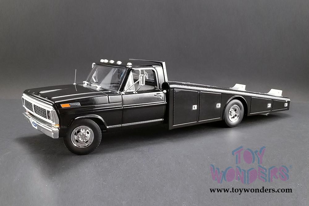 Acme - Ford F-350 Ramp Truck (1970, 1/18 scale diecast model car, Black)  1801400