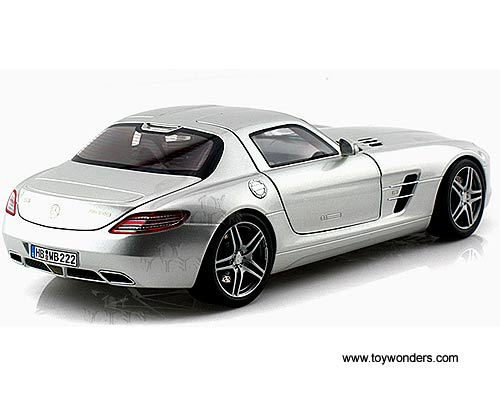 2010 mercedes benze sls amg coupe hard top 183490 1 18 for Mercedes benz sls amg toy car