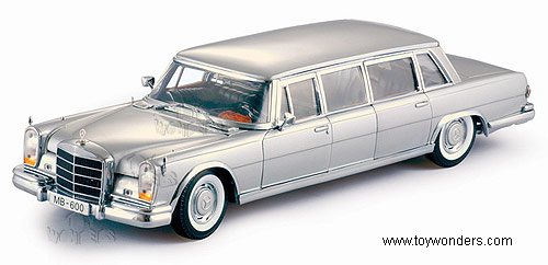 1966 mercedes benz 600 limousine by sun star 1 18 scale for Mercedes benz silver star