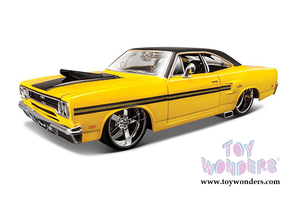 1970 plymouth gtx hard top 31016yl 1 24 scale scale maisto design wholesale diecast model car. Black Bedroom Furniture Sets. Home Design Ideas