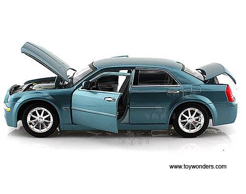 2005 Chrysler 300c Hemi Hard Top 31120sv 1 18 Scale Maisto