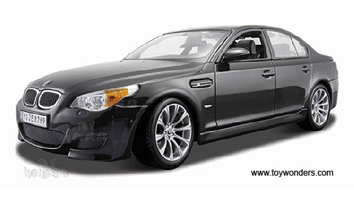 Bmw M5 Black On Black. Maisto - BMW M5 Hard Top w/