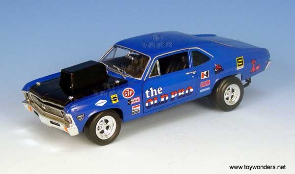 "Chevy Nova ""The Old Pro"" (1972, 1:18, Blue) 33942"