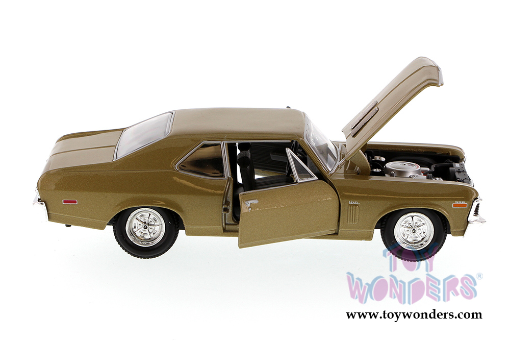 1970 CHEVY NOVA SS HARD TOP SHOWCASTS 34262 1//24 scale DIECAST CAR