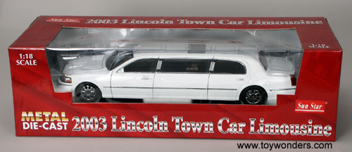 Sun Star Lincoln Town Car Limousine 2003 1 18 White 4201 Toy