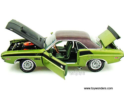 1970 dodge Challenger T/A Hard Top by Highway 61 1/18 scale diecast model car wholesale 50783GN