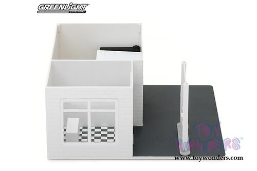 Make Your Own Diorama: Greenlight Diorama - Mechanic's Corner
