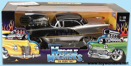 Muscle Machine Oldsmobile 88 (1956, 1:18, Black) 69020A