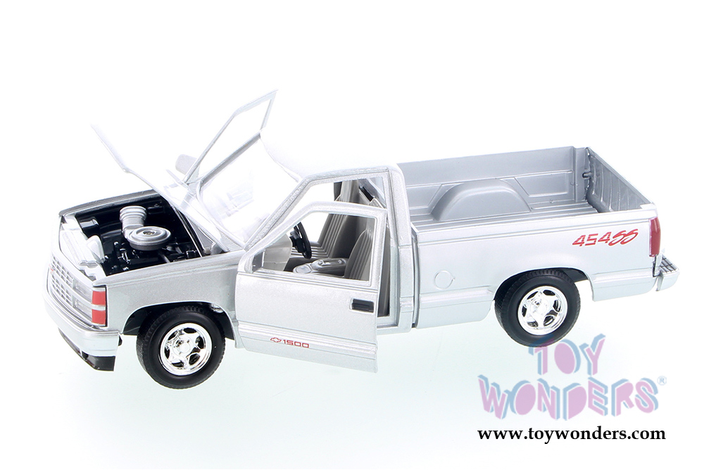 Showcasts Collectibles - Chevrolet® 454 SS™ Pickup Truck (1992, 1/24 scale  diecast model car, Silver) 73203AC/SV