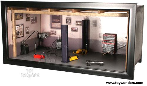 1 18 Scale Mini Garage Diorama 82101