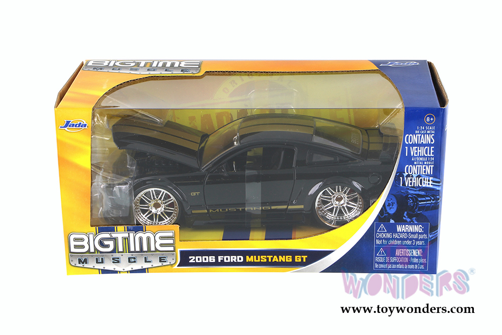 Jada Toys 2006 Dodge Magnum Rt 124 Scale: 2005 Ford Mustang GT Hard Top 90659 1/24 Scale Jada Toys