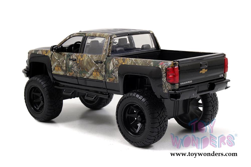 Jada Toys Realtree - Chevy® - Silverado™ Off Road with dog ...