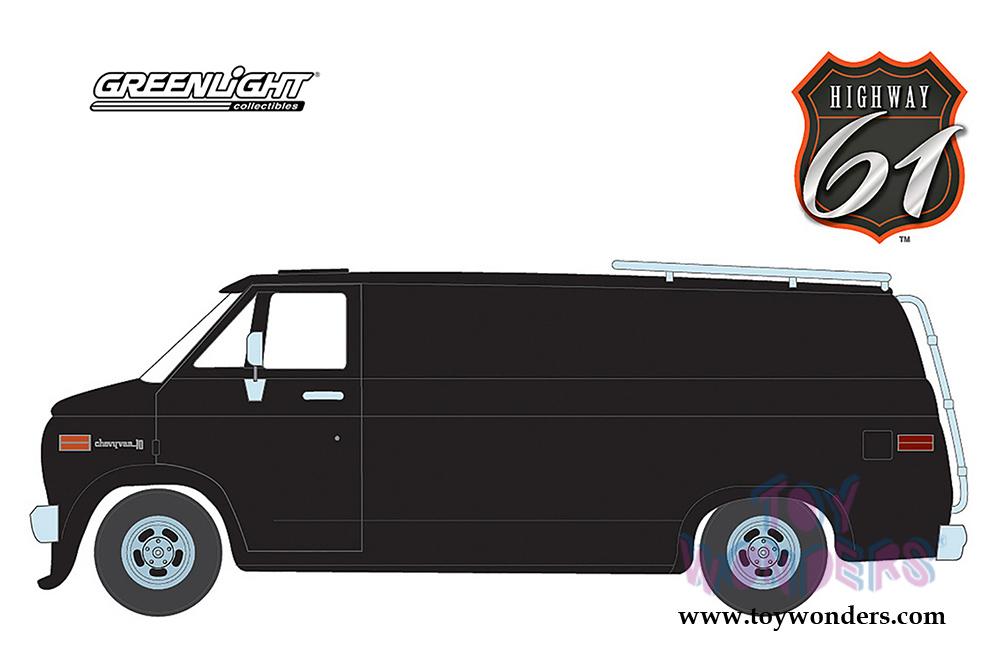 Greenlight Highway 61 - Chevrolet® G-Series Van (1976, 1/18 scale diecast  model car, Black) HWY18002