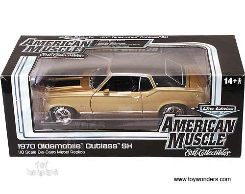 Round 2 ERTL Elite - Oldsmobile Cutlass SX (1970, 1:18, Gold) AMM904G