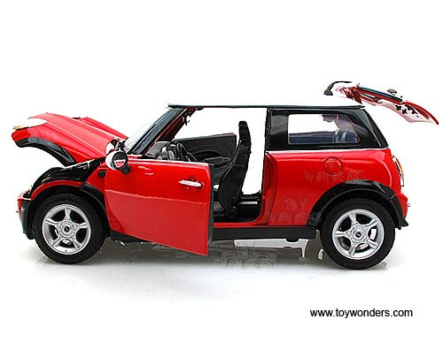 Motormax Mini Cooper Hard Top 1 18 Scale Cast Model Car Red