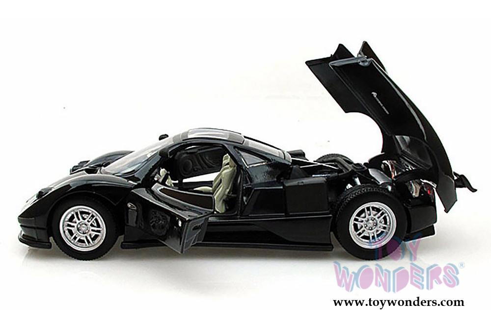 1:18 Pagani Zonda C12 Motor Max Scale Diecast Model Red // White
