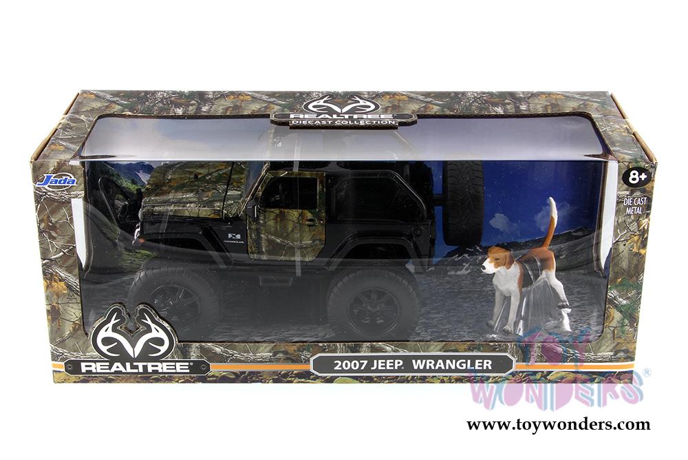 JADA 97143 REALTREE 2007 JEEP WRANGLER WITH DOG 1//24 DIECAST MODEL CAR GREEN
