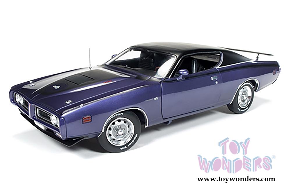 Auto World ERTL - Dodge Super Bee Hard Top (1971, 1/18 scale diecast model  car, Purple) AMM1056