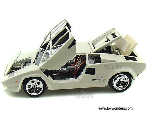 Lamborghini Countach 5000 Quattrovalvole Hard Top By Bburago Gold 1