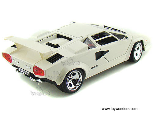 Lamborghini Countach 5000 Quattrovalvole Hard Top By Bburago Gold 1