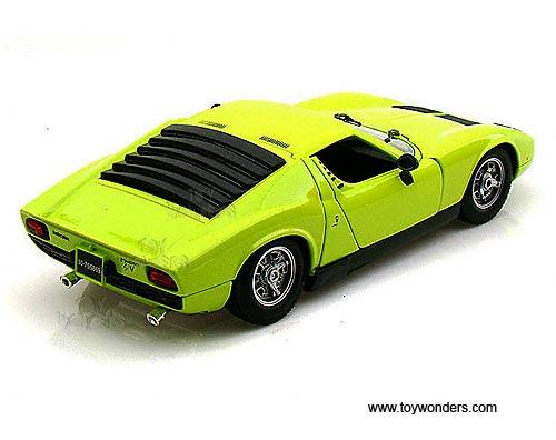 Bburago Gold Lamborghini Miura Hard Top 1968 1 18 Scale Diecast