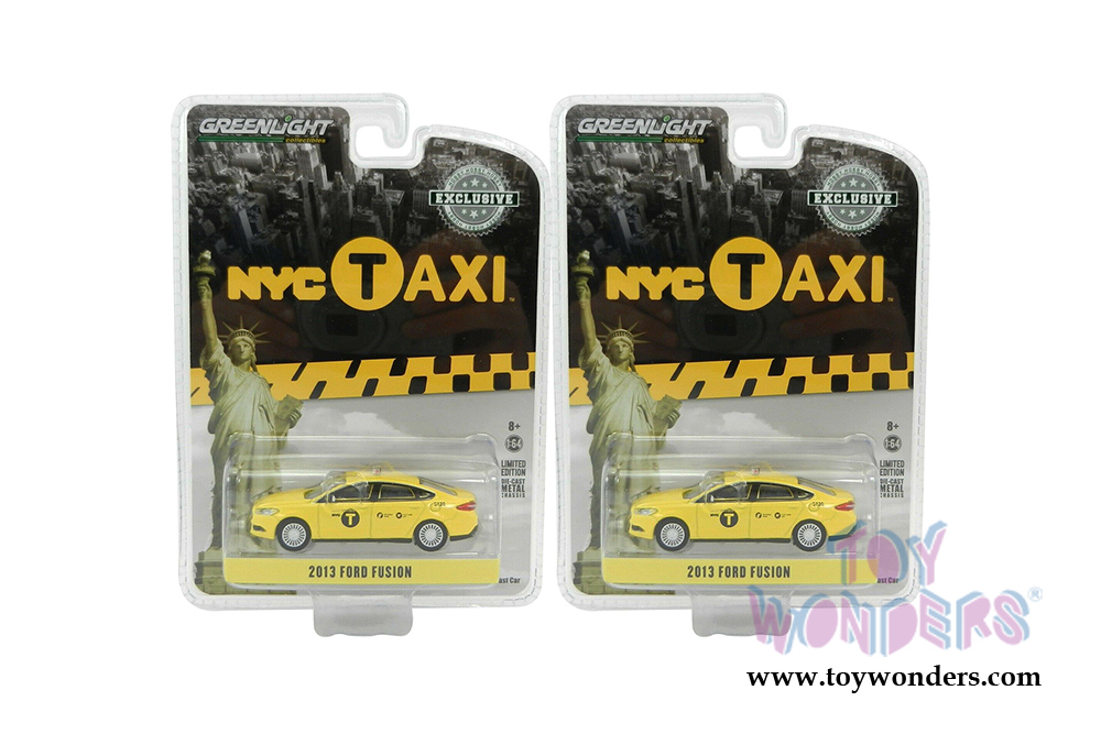 Greenlight 30011 Ford Fusion 1//64 2013 NYC taxi