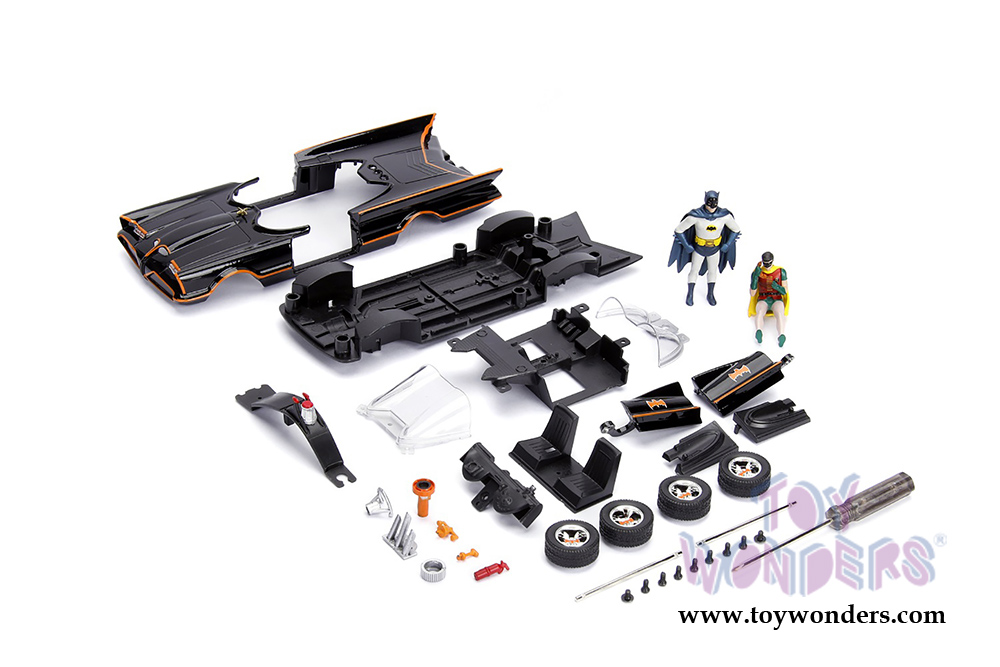 Jada Toys - Build N Collect Model Kit | Hollywood Rides 1966 Classic TV  Series Batmobile™ with Batman™ and Robin figures (1/24, diecast model car,