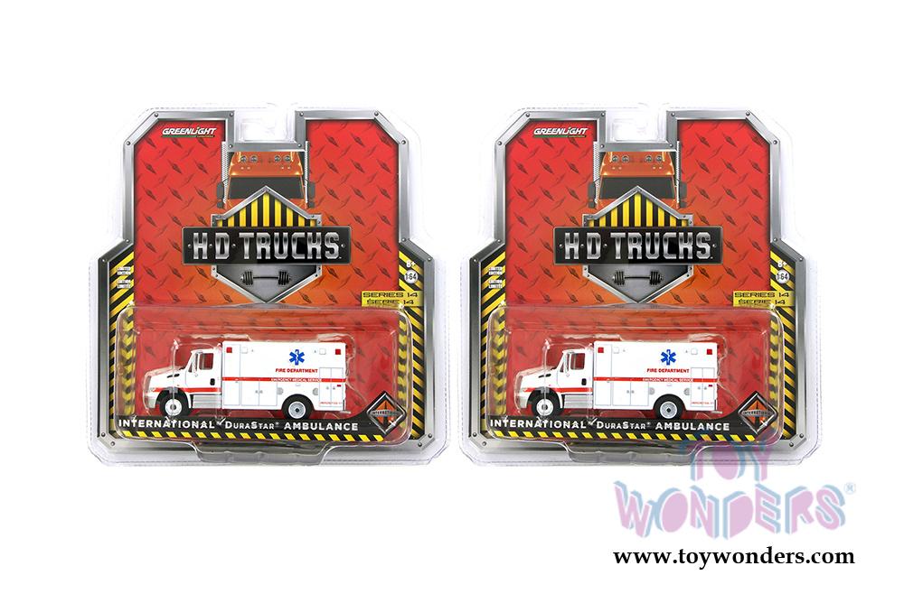 Fire Emergency 33140-B GreenLight 1//64 2013 International Durastar Ambulance